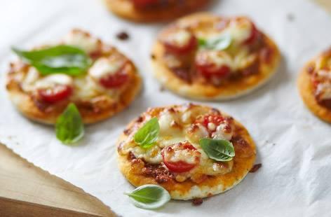 ελληνικη κουζινα μαγειρικη mini pizza μαργαριτα